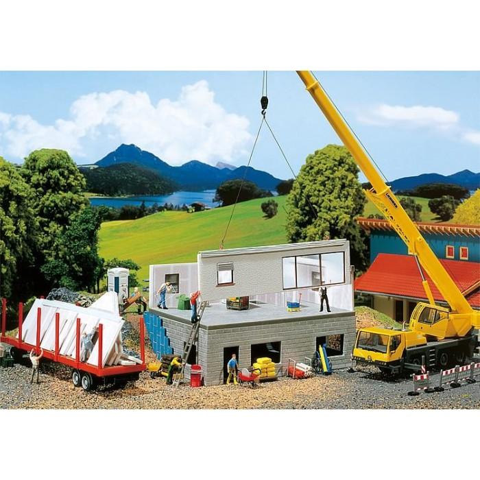 130308 Faller Kant en klaar huis in aanbouw
