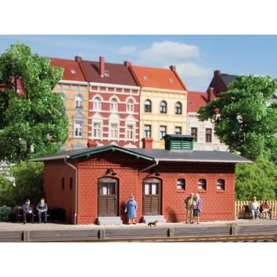 11384 Auhagen station toilet