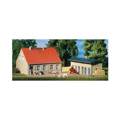 11396 Auhagen Woonhuis met schuur