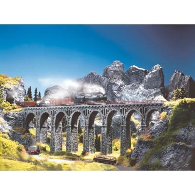 34860 Noch Natuursteen viaduct